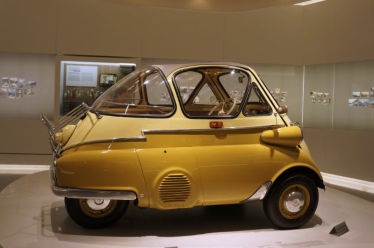 1955 BMW Isetta in yellow.